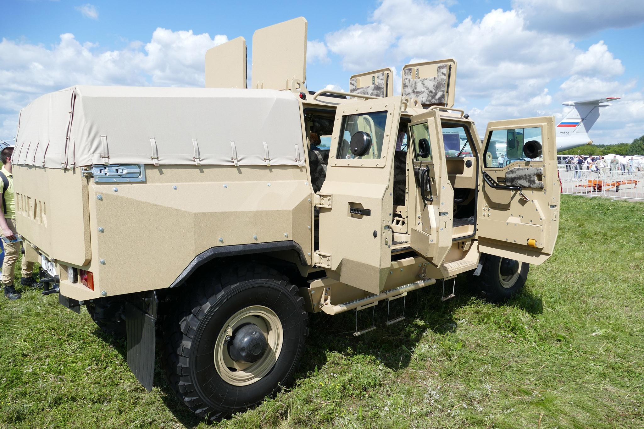 4920196 original - В России начинают строить автомобиль, а получают хороший танк! Новинка бронеавтомобиль-трансформер «Buran»