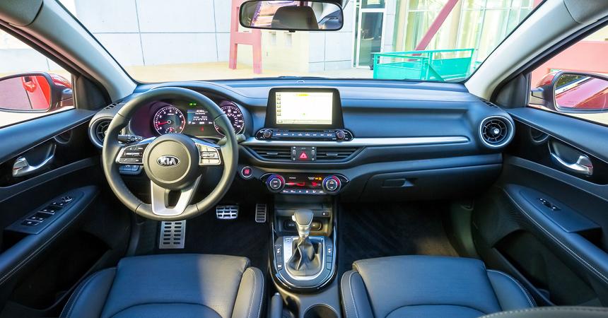 KiaForte4j 3745592 29016459 - Kia на выставке в Детройте представила седан Forte/Cerato нового поколения