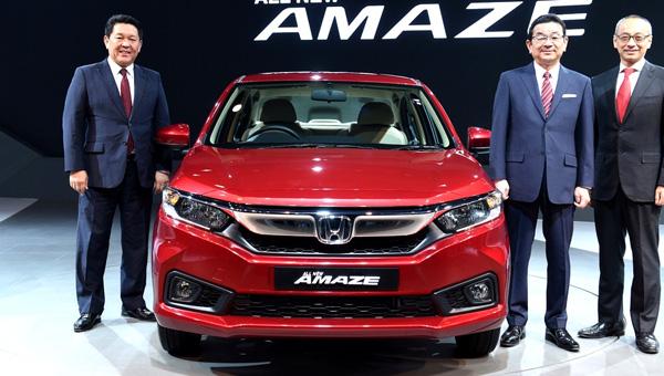 070218 90 - В Индии на автосалоне Auto Expo 2018 представили обновлённый бюджетный седан Honda Amaze