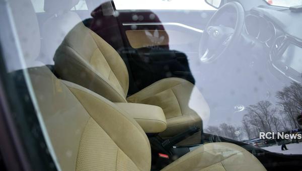 130218 27 - Появились фото роскошной версии Lada Vesta Signature