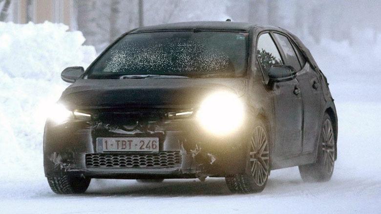 4 - Официальный тизер нового Toyota Auris перед мартовской премьерой