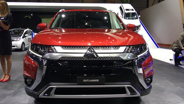 080318 15 - Mitsubishi привезла в Женеву Outlander после рестайлинга