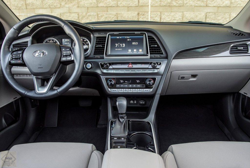 1520291111 perednyaya panel sedana hyundai sonata 2018 1024x690 - Новый седан Hyundai Sonata встал на конвейер автозавода в Калининграде