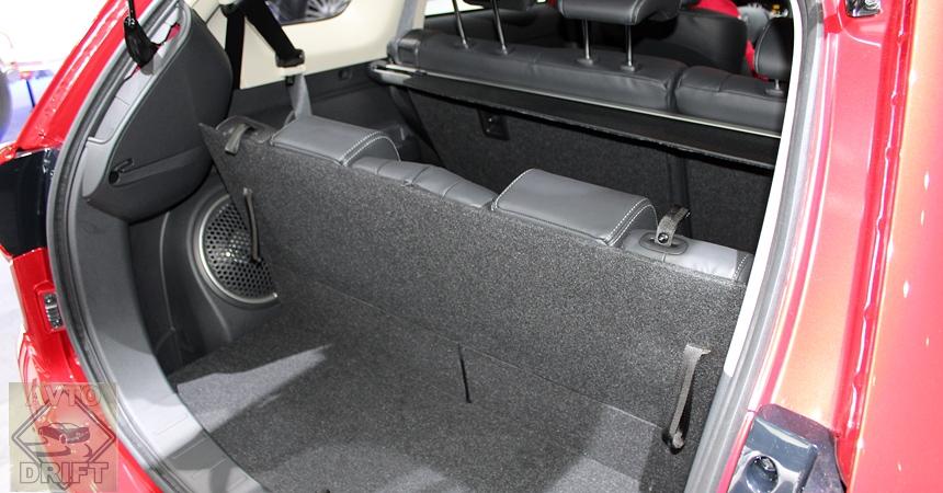mitsubishi outlander5 - Mitsubishi привезла в Женеву Outlander после рестайлинга