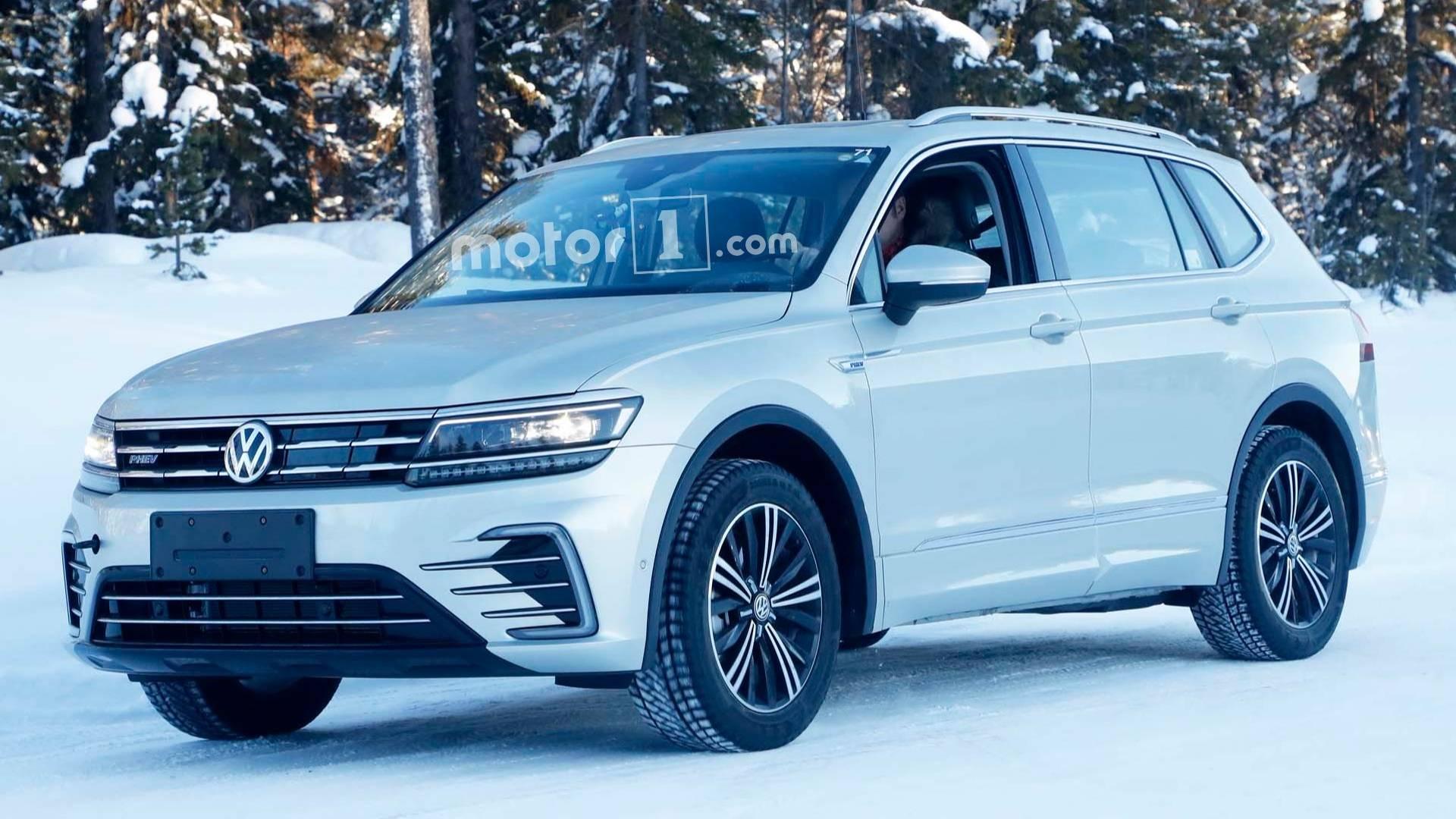vw tiguan phev 01 - Гибридный Volkswagen Tiguan PHEV готов к премьере