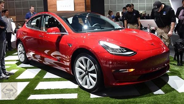 100418 35 1 - Tesla назвала время выхода Model 3 с полным приводом