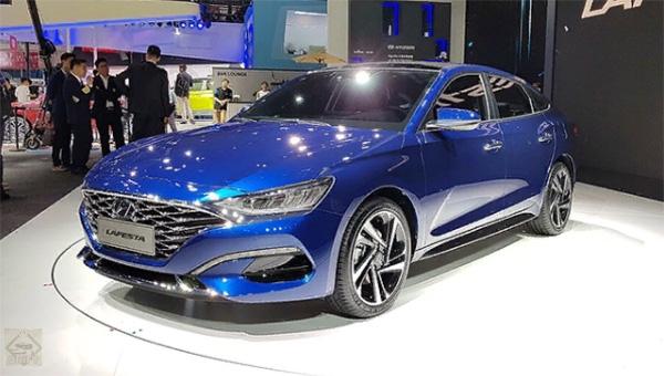 260418 10 - Hyundai представила в Пекине новый седан, выполненный в стиле «чувственная спортивность»
