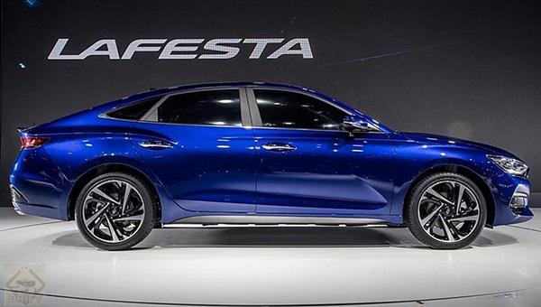 260418 14 - Hyundai представила в Пекине новый седан, выполненный в стиле «чувственная спортивность»