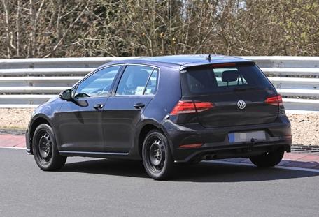 5ad4b5a9ec05c41859000004 - Volkswagen Golf 8 наконец-то вывели на дорожные испытания