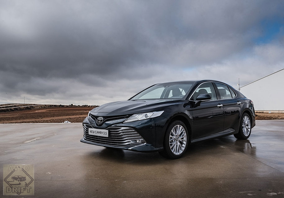 9e33fedb46b499e83c8645e6cfee54394aa68908 - Toyota выставила ценники на новую Camry для россиян