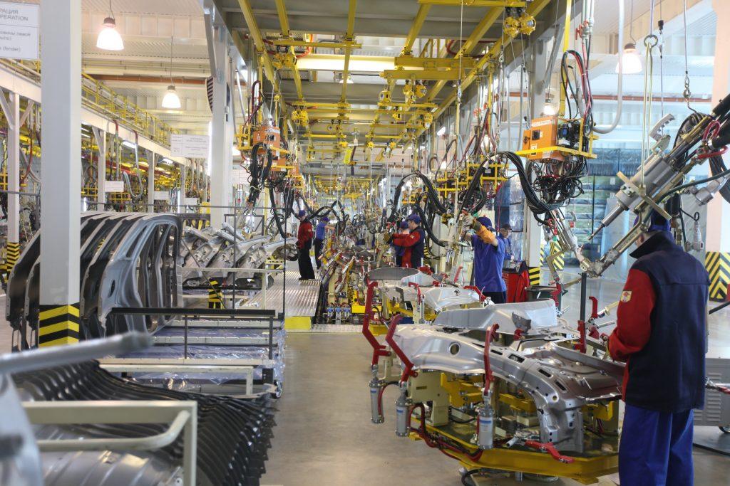 TSeh svarki 1024x683 - Завод «Автотор» в Калининграде модернизирует конвейер под выпуск нового KIA Quoris