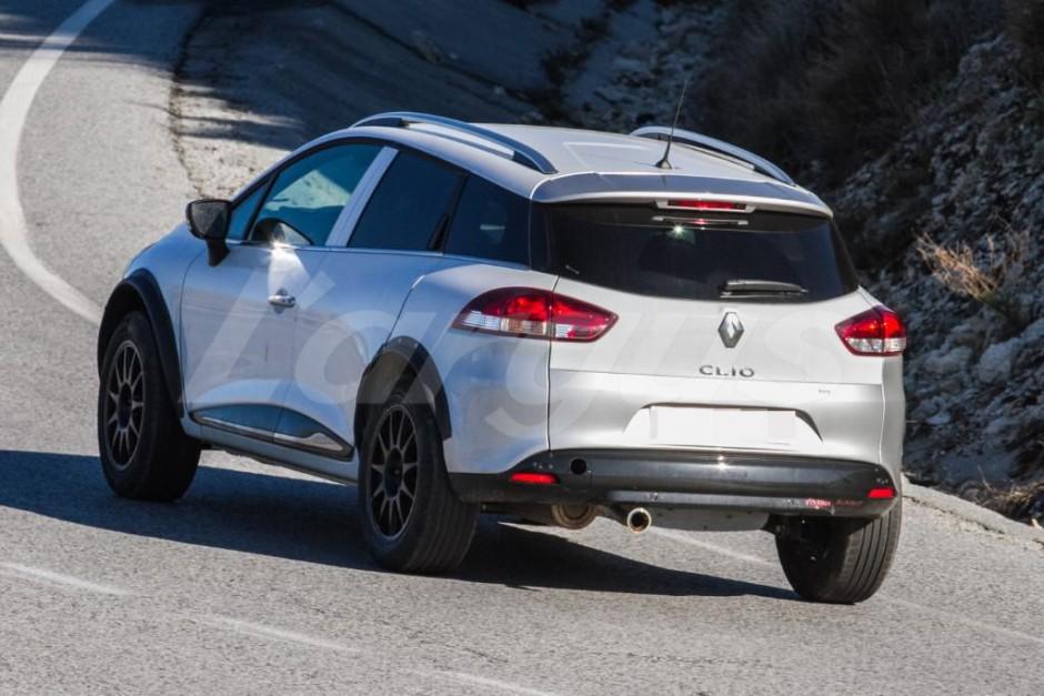 renault clio 5 mulet vue ar - Renault Captur второго поколения замечен в Андалусии