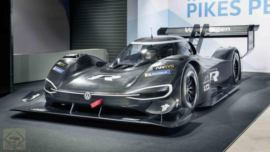 vw id r pikes peak 1024x576 - Volkswagen представил гоночный электрокар I.D. R Pikes Peak