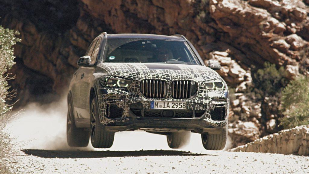 P90304909 highRes testing of the new b 1024x576 - Новый BMW X5 во время тест-драйва
