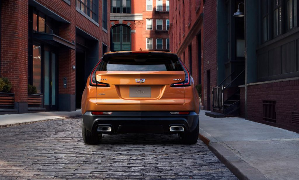 3269 1024x619 - Cadillac представил ценники на свой новый «бюджетный» кроссовер XT4