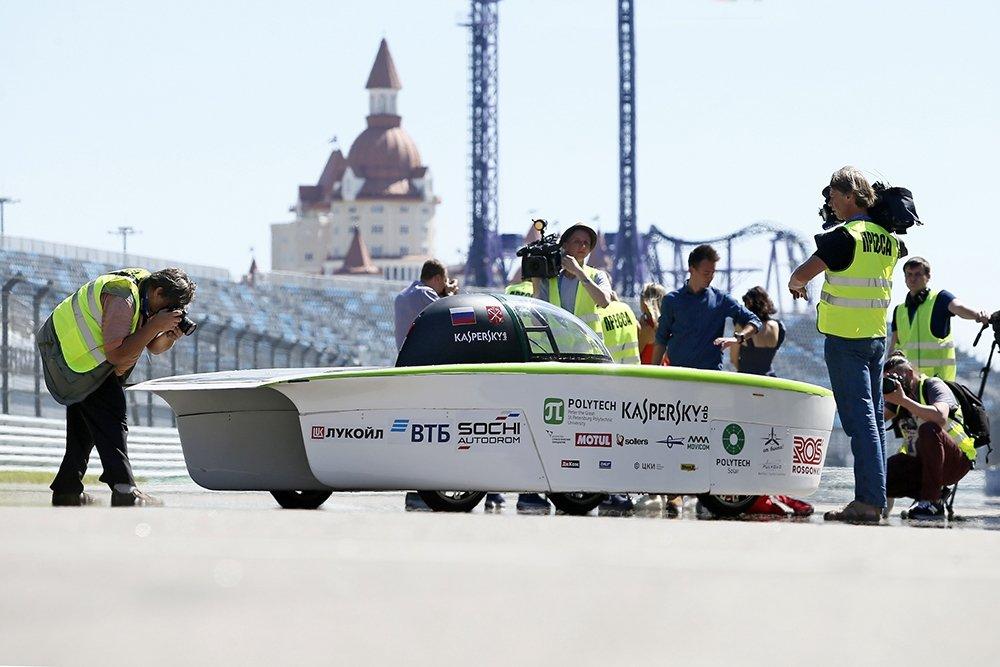 7 36d3d464 - Первый российский солнцемобиль в виде «подводной лодки» представили в Сочи