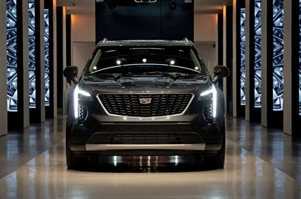 Cadillac XT4 2018 2019 6 min 1024x680 1024x680 - Cadillac представил ценники на свой новый «бюджетный» кроссовер XT4