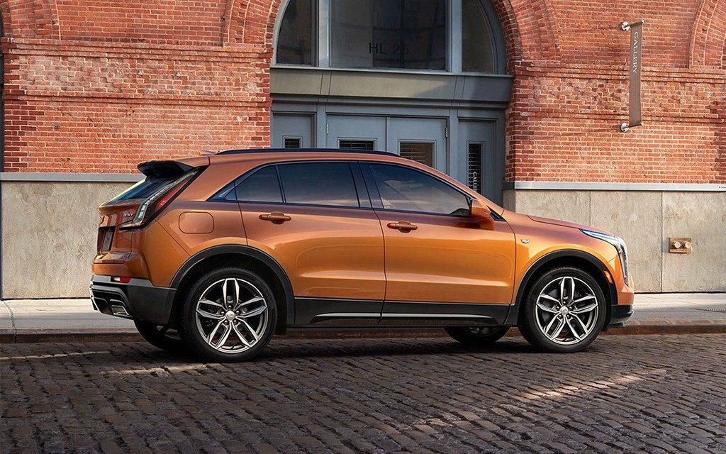 XT4 2018 2019 3 fill 1024x640 1024x640 - Cadillac представил ценники на свой новый «бюджетный» кроссовер XT4