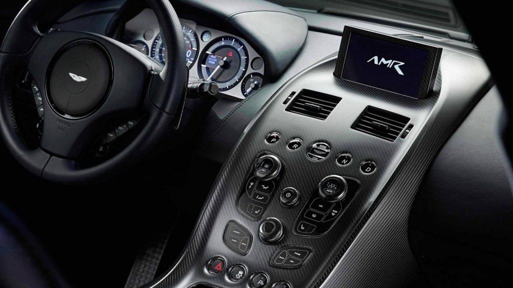 aston martin rapide amr 4 1024x576 - Кампания Aston Martin представила прощальную версию бензинового лифтбека Rapide AMR