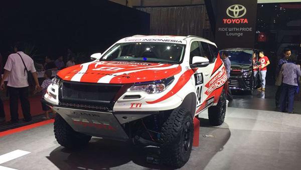 120818 32 - Компания Toyota представила новый «брутальный» внедорожник Fortuner с обвесом от TRD