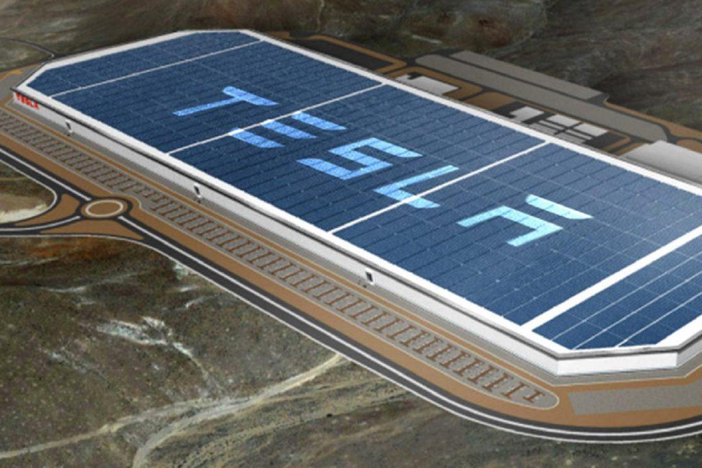 tesla motors inc gigafactory interior steals the spotlight 1024x576 1024x683 - Компания Tesla Inc. начала строить автозавод в Китае