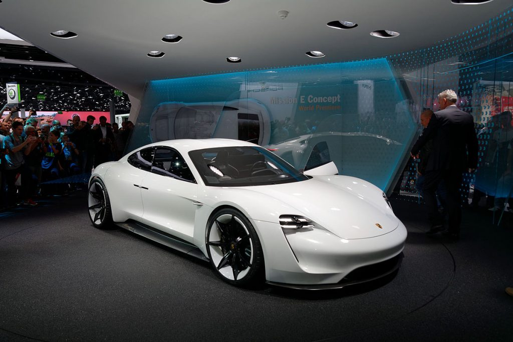 Porsche Mission E   IAA 2015   8 1024x683 - Первый электромобиль от Porsche