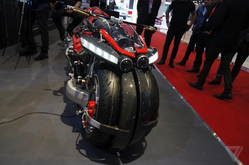 demonstraciya lmv 496 - Летающий мотоцикл - это уже не фантастика!