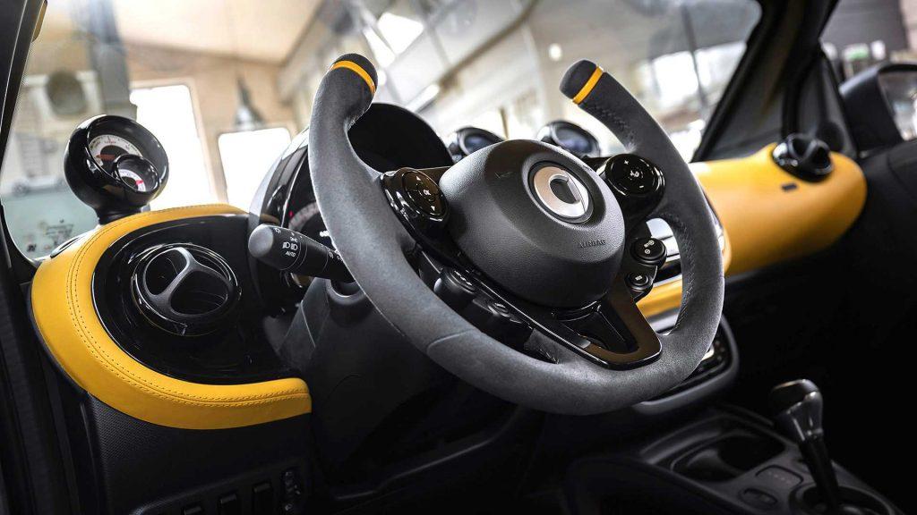 smart forease concept 4 1024x576 - В Женеву едет самый маленький кабриолет на электрической тяге