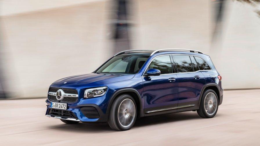 08 mercedes benz glb 2019 x247 suv 2560x1440 - Mercedes-Benz официально представил свой новый семиместный кроссовер GLB