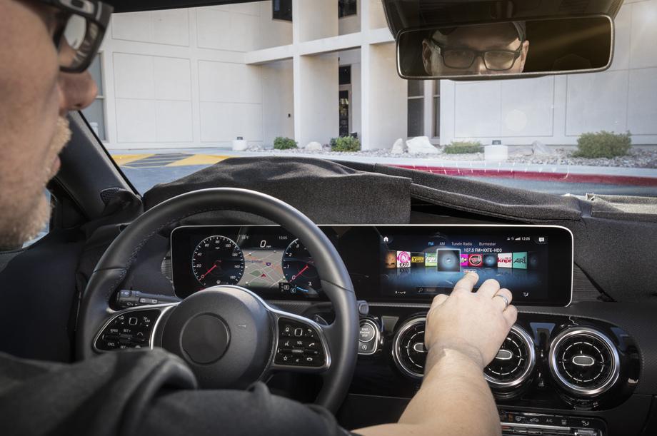 5a5623f7ec05c447640000ac - Mercedes-Benz официально представил свой новый семиместный кроссовер GLB
