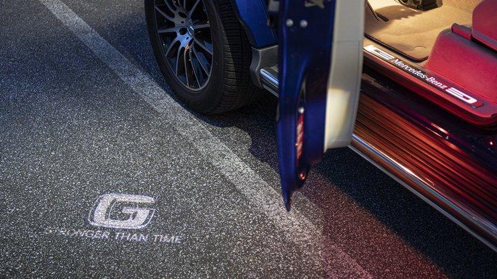 mercedes g class stronger than time 5 - Mercedes-Benz выпустил спецверсию «Гелика» в честь его 40-летия
