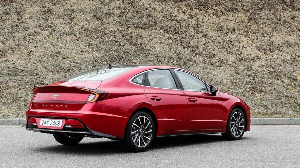 s1200 1024x576 - Новая Hyundai Sonata стандартизировался в России