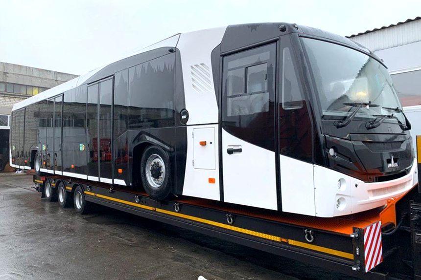g1225 08 2 - Минский автомобильный завод забыл представить новый перронный автобус