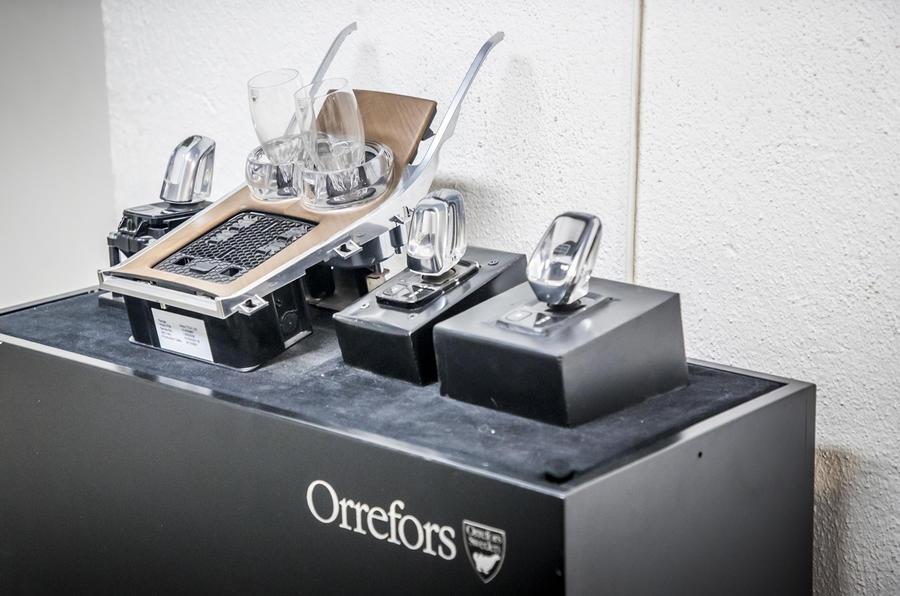 orrefors volvo 059 - Хрустальный селектор передач от Volvo