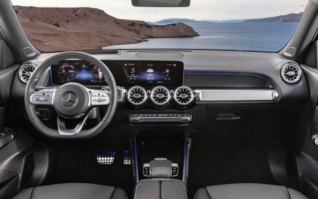 """Mercedes Benz GLB 4 1024x641 - Немцы выпустили новую """"бюджетную"""" версию кроссовера Mercedes-Benz GLB"""